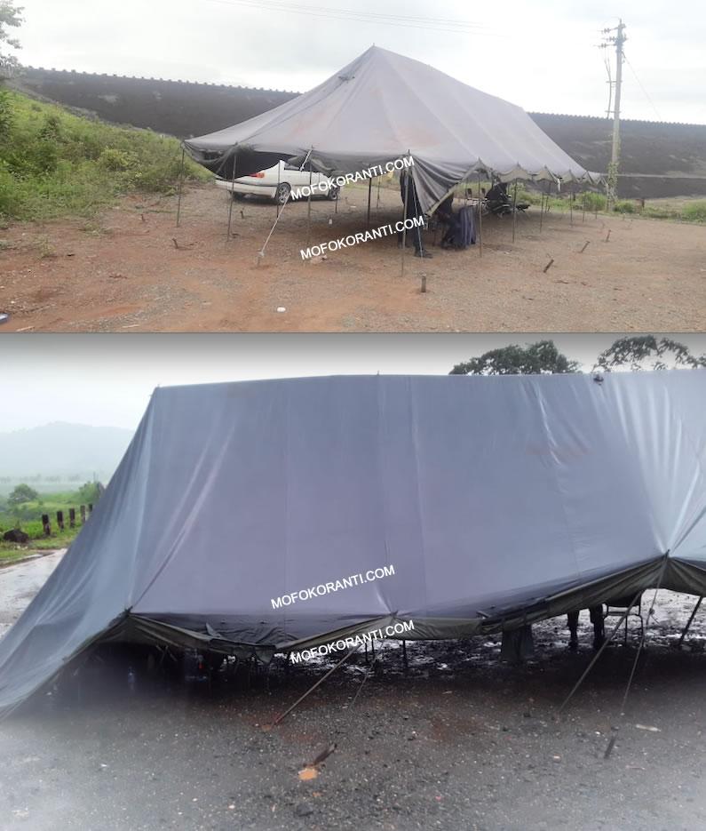 Slechte omstandigheden voor manschappen bij COVID -19 checkpoint